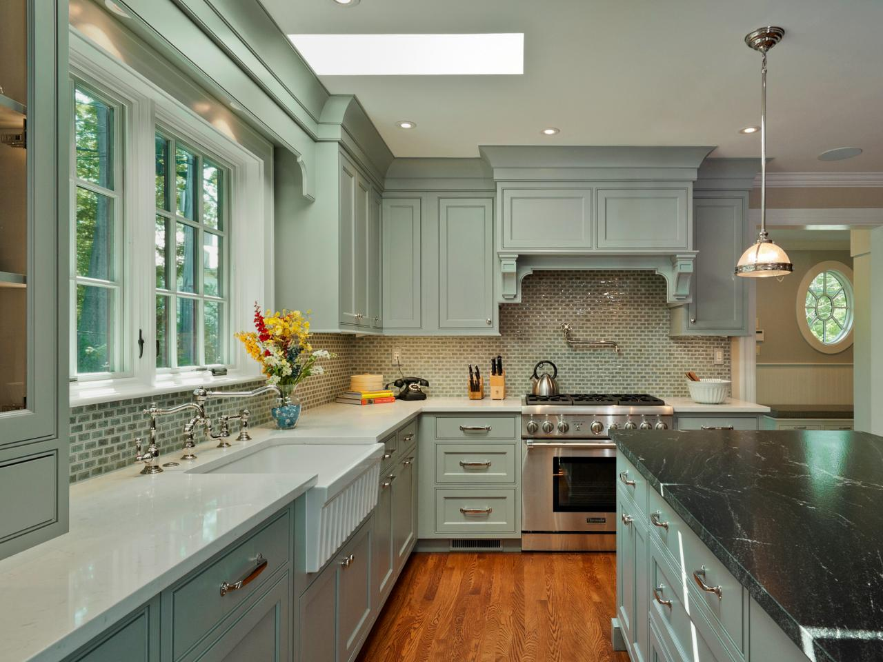 Discover the Best Tips for Painting Cabinets